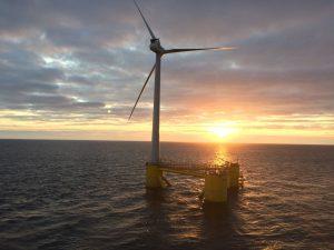 Cobra instala la primera turbina del que será el mayor Parque Eólico marino con tecnología flotante del mundo